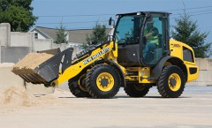 CroppedImage240145-NH-CompactWheelLoaders-2015.jpg